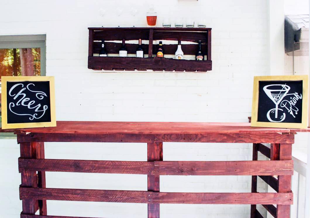 Pallet Bar DIY Happily Hughes