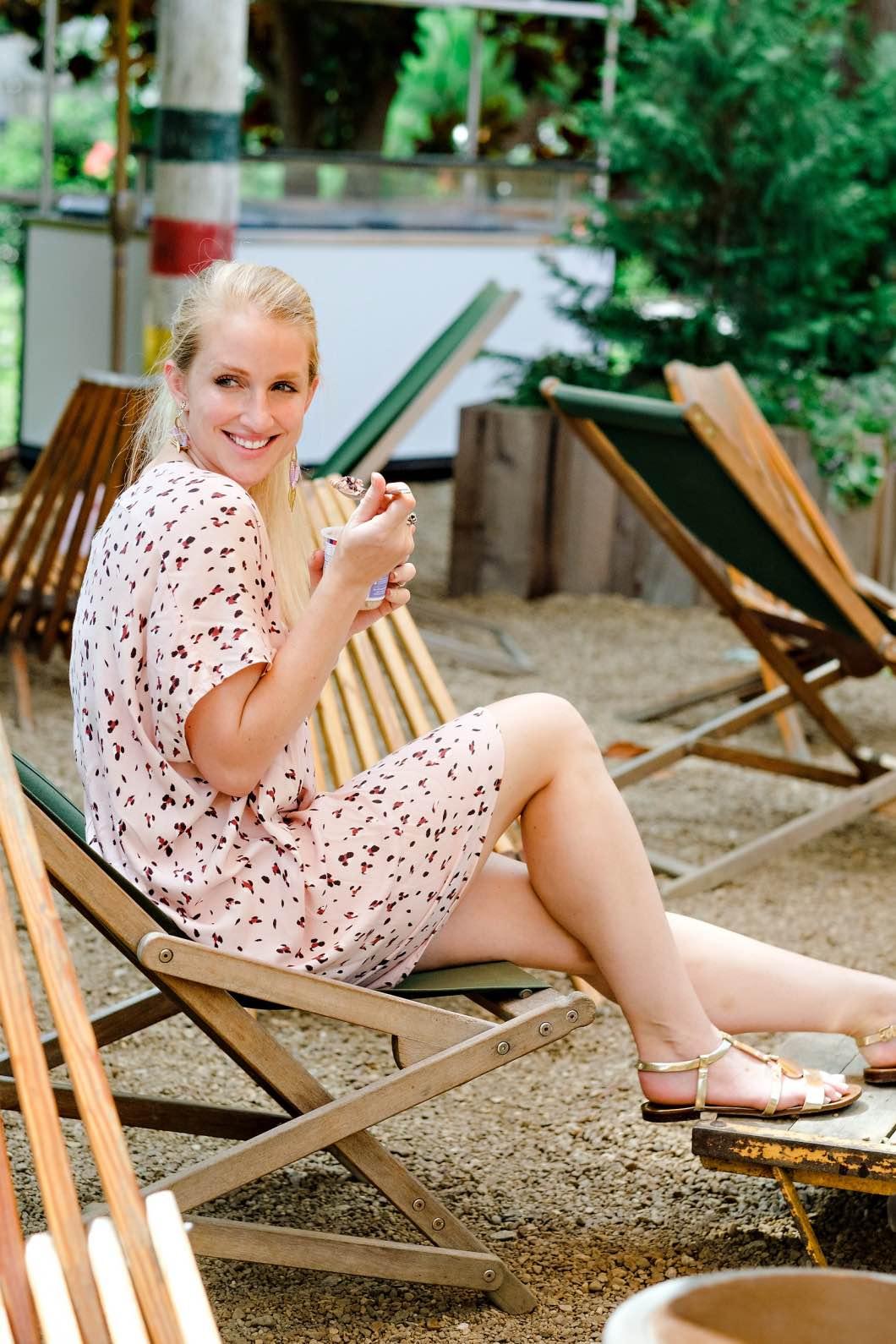 Super Easy & Quick Breakfast Ideas by Atlanta blogger Happily Hughes