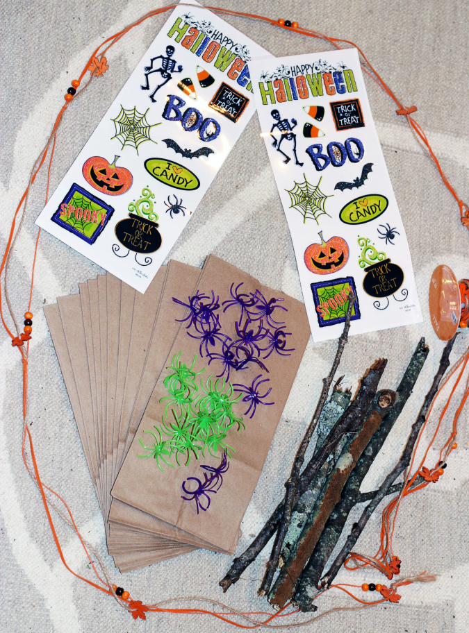 Simple Halloween Craft DIY Trick or Treat Bags