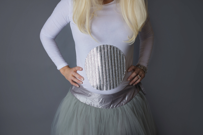 Pregnant Easy DIY Halloween Costume with Wayfair