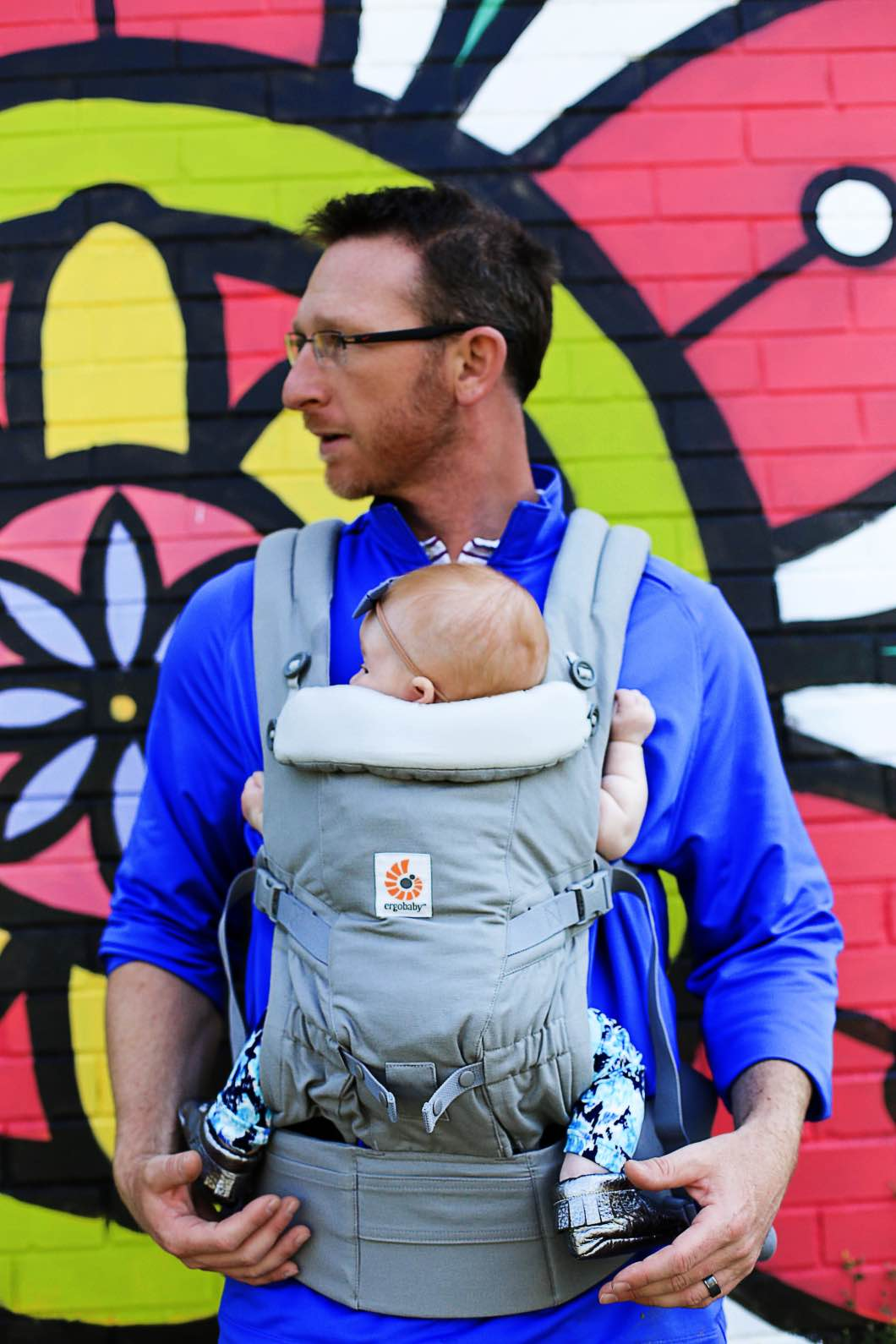 Ergobaby Adapt Carrier Happily Hughes