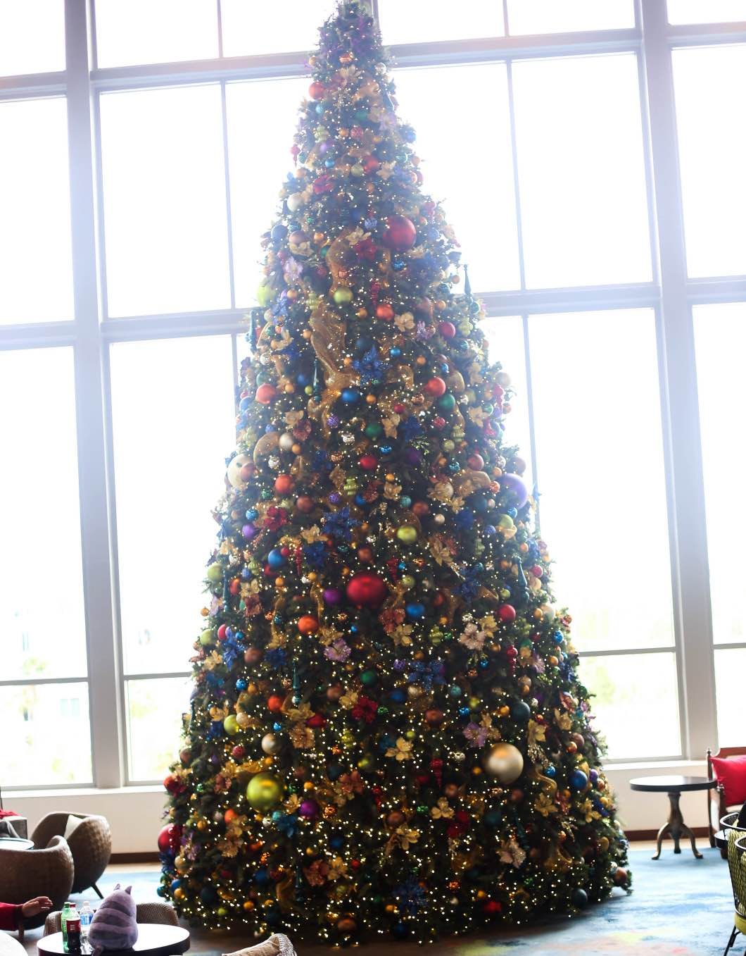 ChristmasTreeLoewsSapphire - Holiday Attractions in Orlando by Atlanta travel blogger Happily Hughes