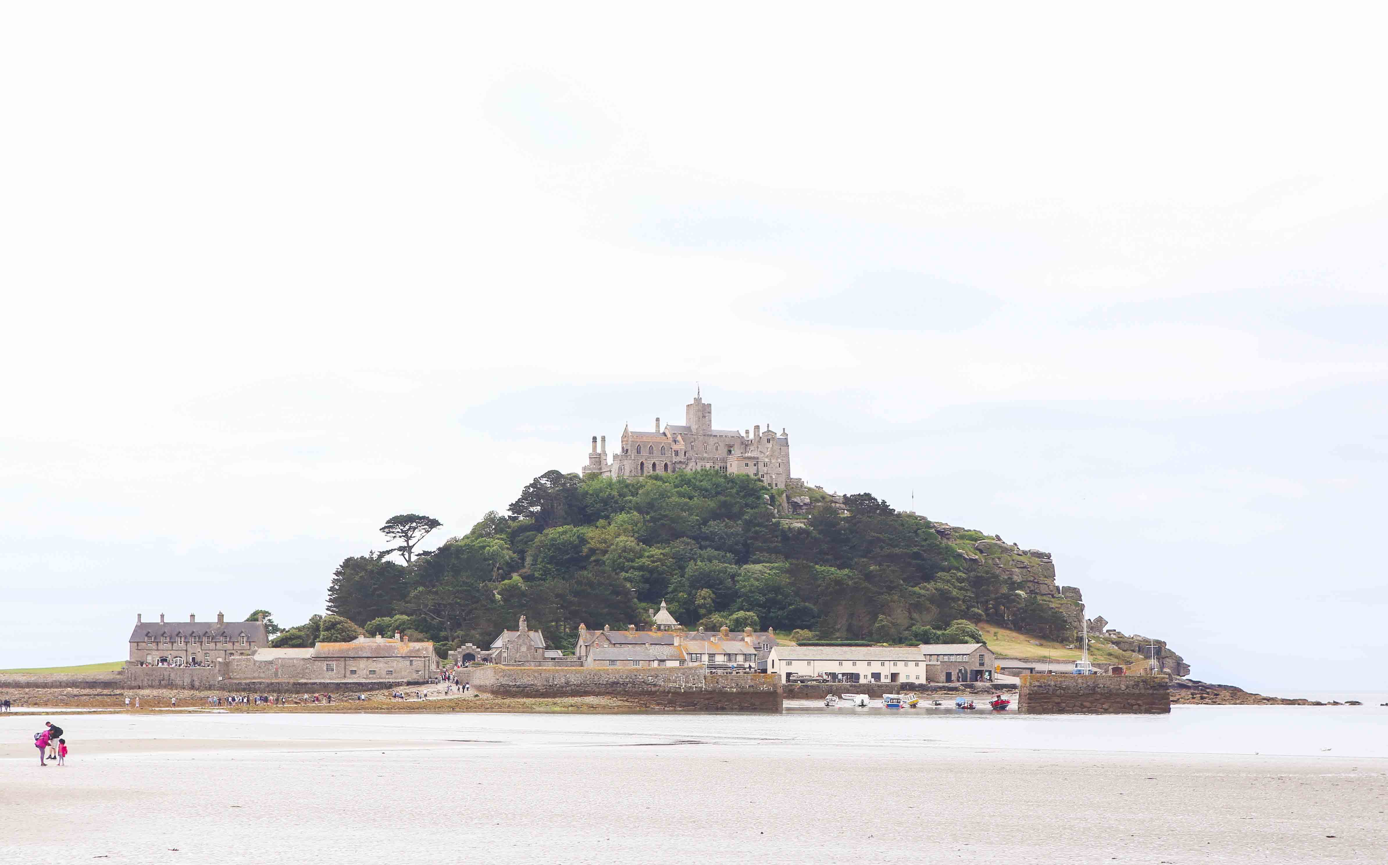 Cornwall Travel Guide with the Polurrian Bay Hotel by Atlanta blogger Jessica of Happily Hughes