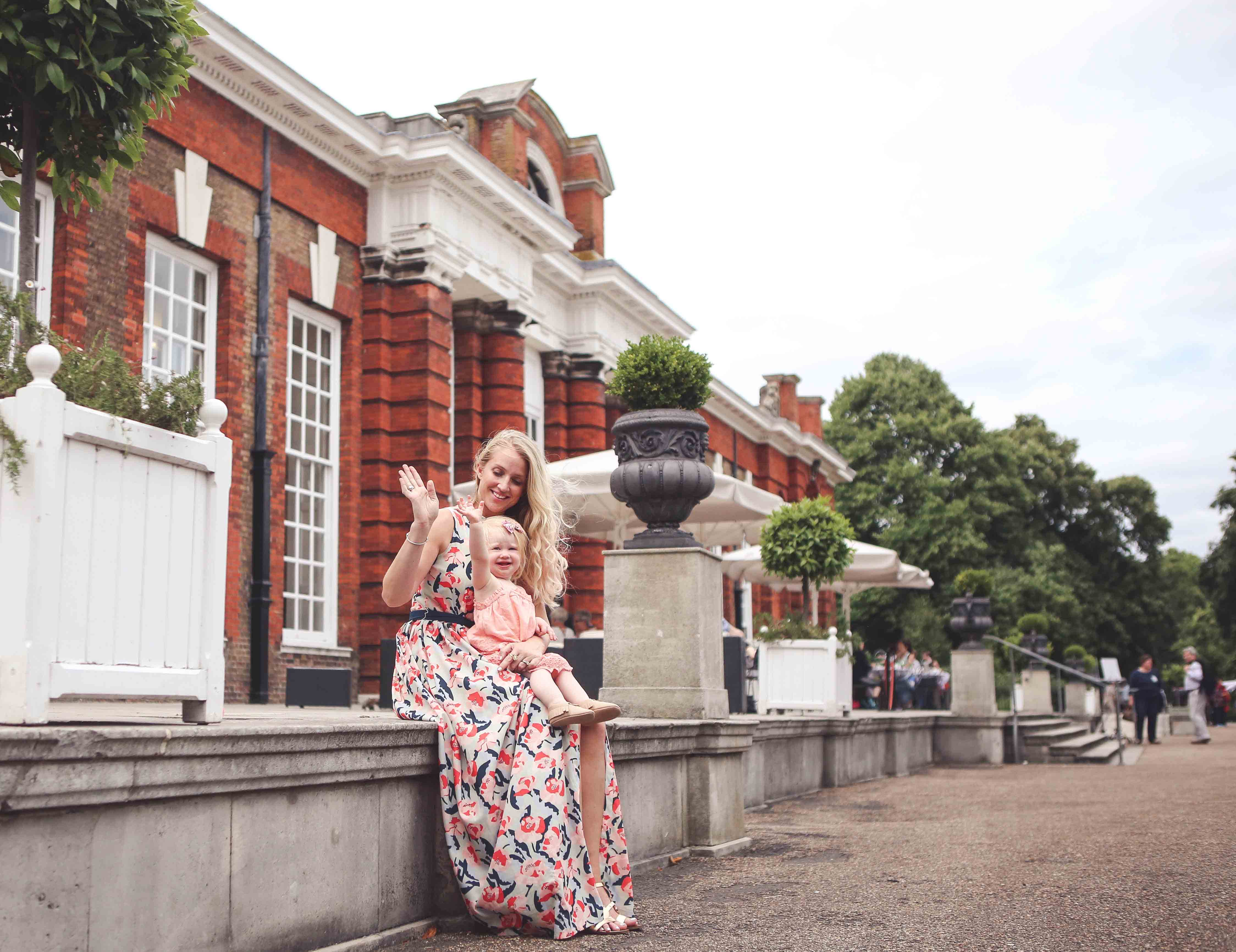 Traveling to London with Kids featuring the Grosvenor House Suites by Jumeirah by Atlanta blogger Jessica of Happily Hughes