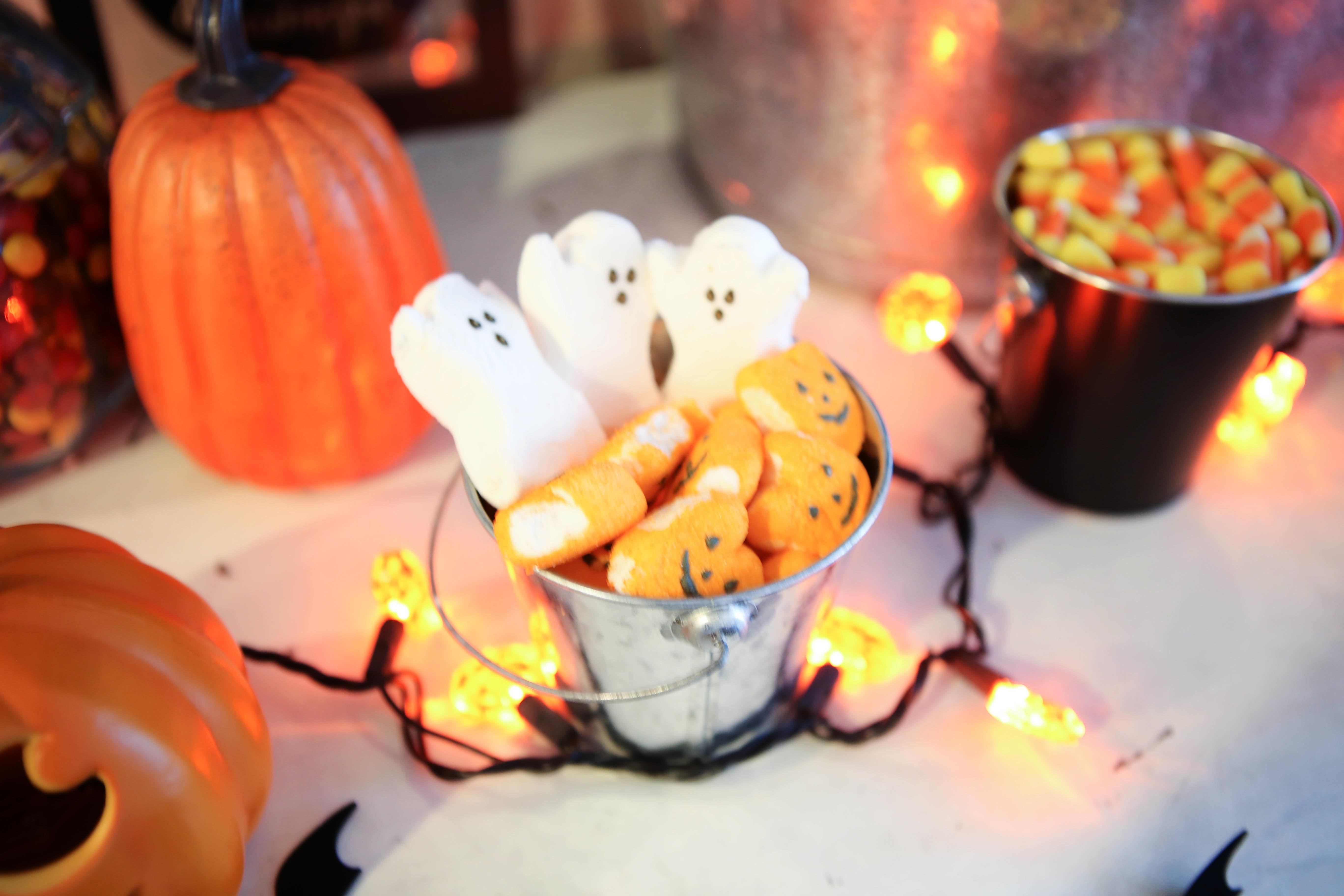 halloweenpeeps - Halloween Popcorn Bar by Atlanta lifestyle blogger Happily Hughes