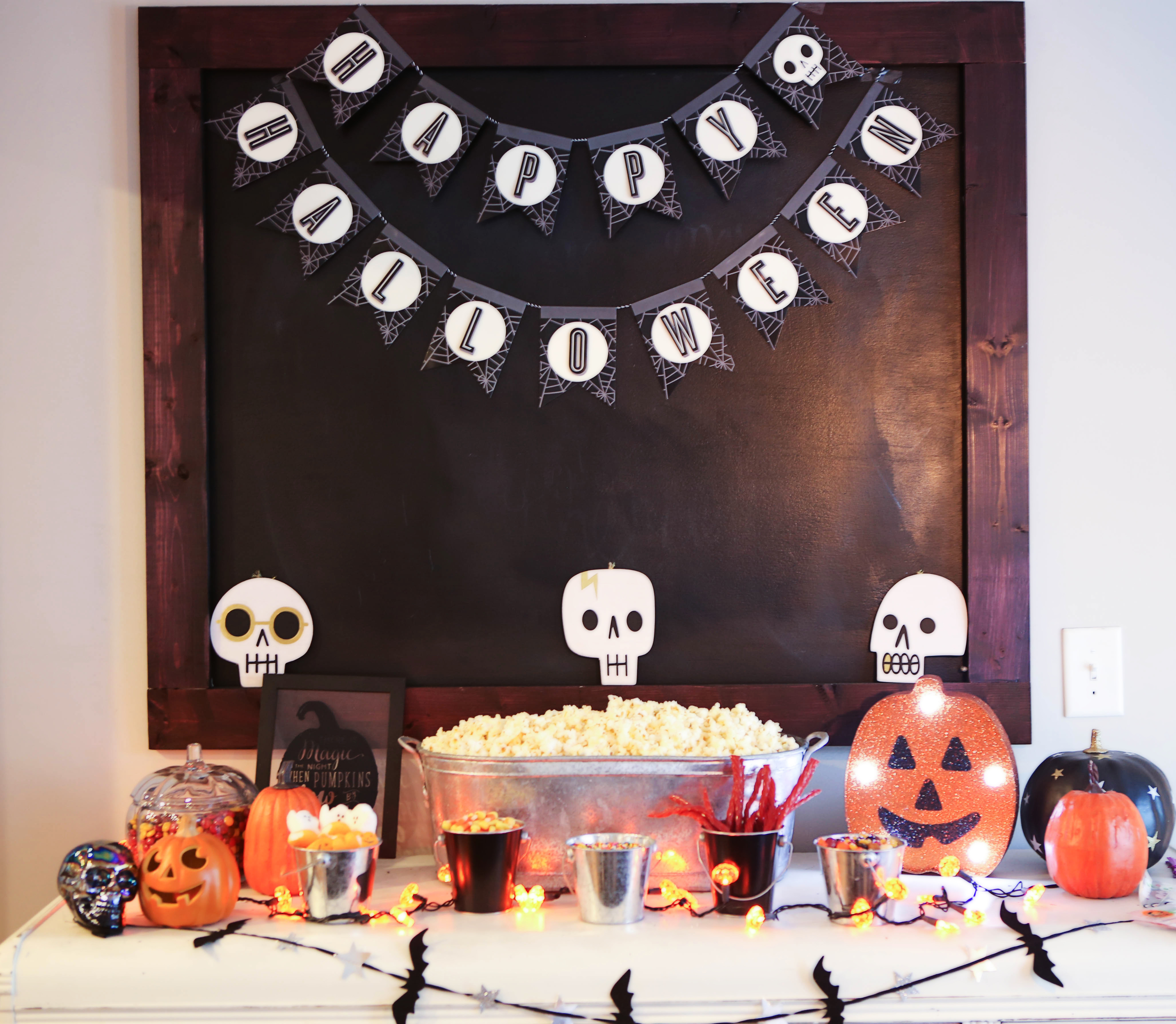halloween popcorn bar DIY - Halloween Popcorn Bar by Atlanta lifestyle blogger Happily Hughes