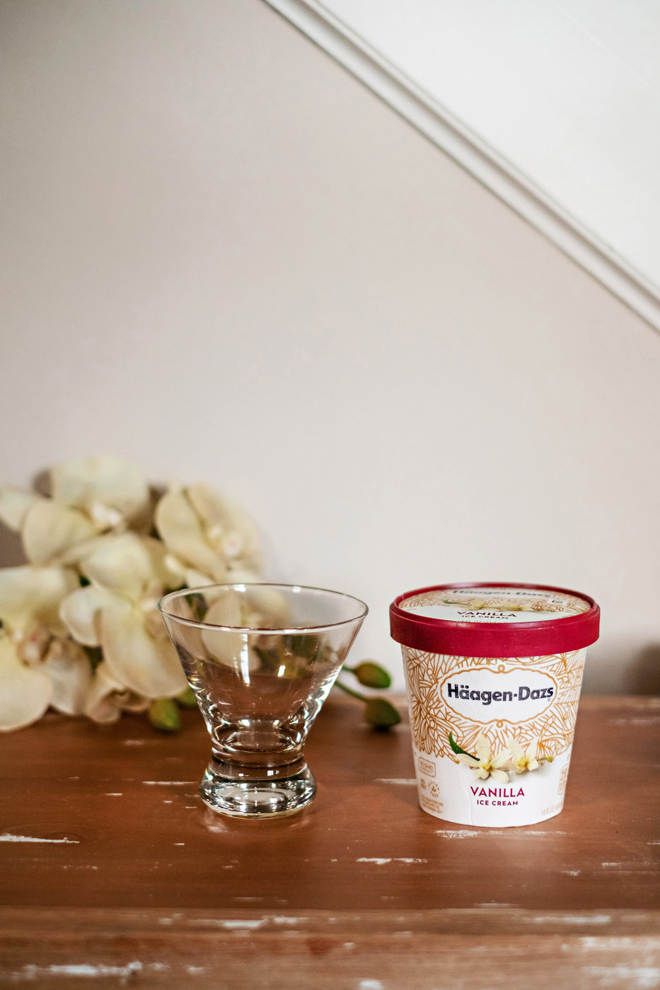 Häagen-Dazs | Coffee | Affogato Recipe featured by popular Atlanta life and style blogger Happily Hughes