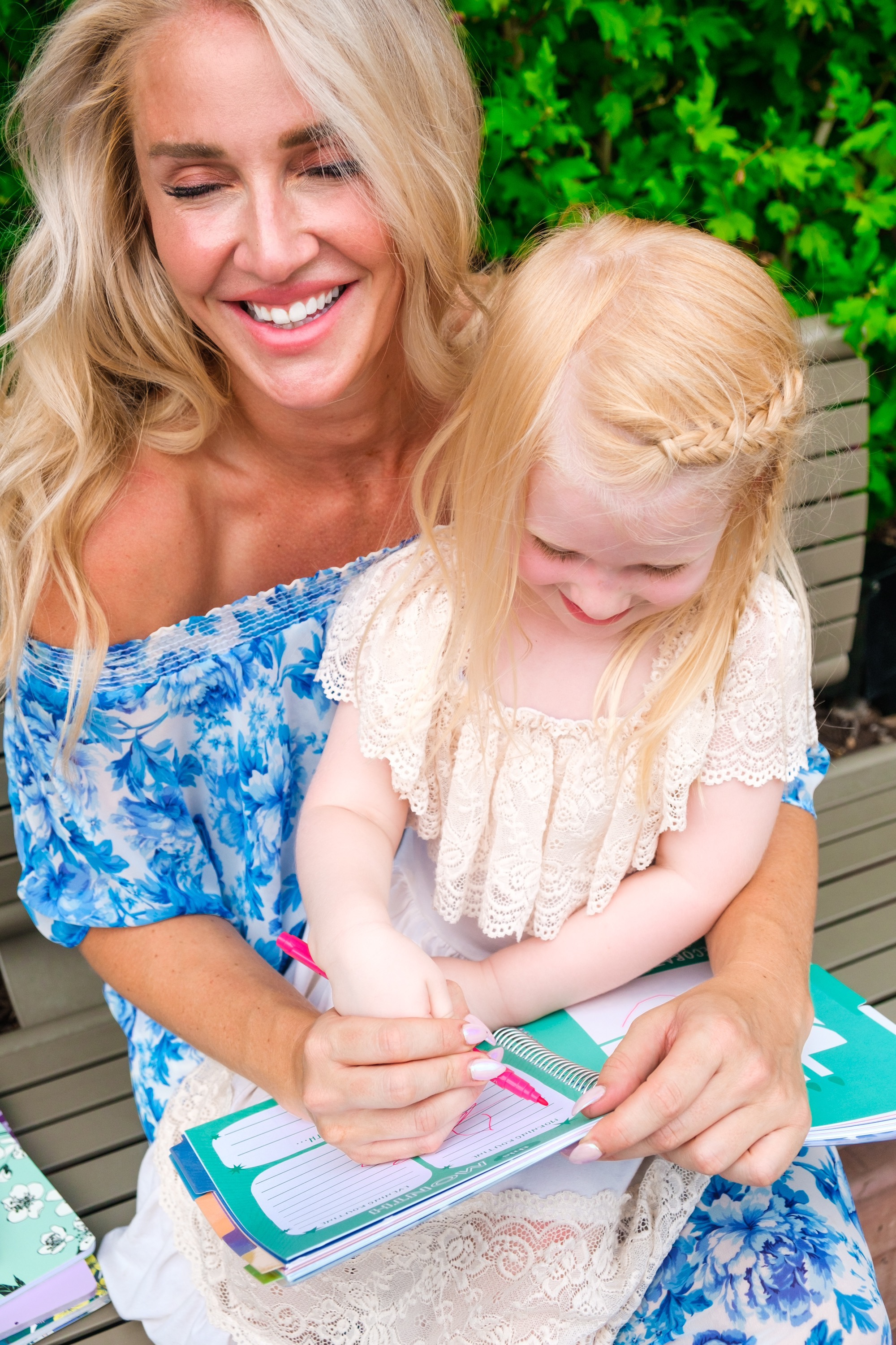Looking for the best way to manage your life? Popular Atlanta Blogger Happily Hughes is sharing her top tips to utilizing Erin Condren products to manage life easily.  See how she does HERE!